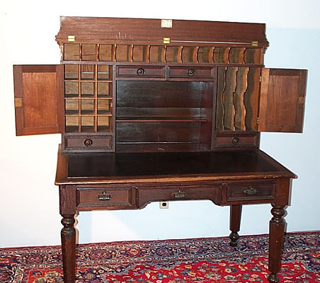Walnut Plantation Desk - Griffiths Antiques - Forestport, New York - Walnut Plantation Desk